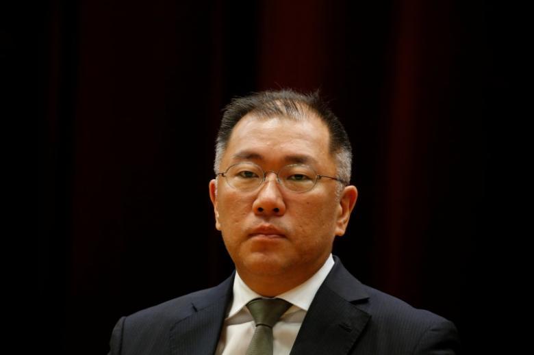 Hyundai Motor Group Vice Chairman Chung Eui-sun attends the company's new year ceremony in Seoul, South Korea, January 2, 2017. REUTERS/Kim Hong-Ji